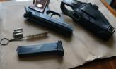 Narkotyki, broń i amunicja w mieszkaniu 27-latka
