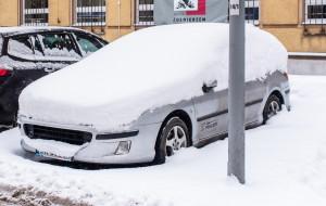 Zapłacił, bo nie mógł wyjechać z nieodśnieżonej strefy płatnego parkowania