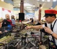 Zobacz miniaturowe pociągi w Galerii Metropolia