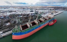 Port Gdańsk. Jest spadek w przeładunkach, ale wzrost w rankingu