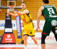 Trefl Sopot - Legia Warszawa 74:81. Mecz koszykarzy ustawiły rzuty za trzy