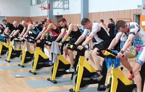 Triathlon pod dachem. W Gdyni rozgrzewali się przed Enea Ironman 70.3