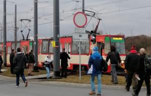 Pojechał starym tramwajem na Morenę. Złamał pantograf i stracił premię