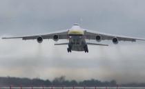Co przywozi ogromny An-124 do Gdyni?