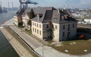 Przygotowania do remontu gmachu Poczty Morskiej w Gdańsku