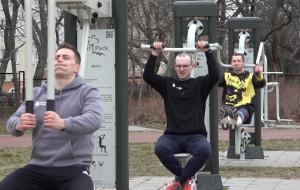 Ćwiczenia na siłownie pod chmurką