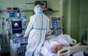 Szczyt trzeciej fali zakażeń na oddziałach covidowych