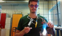 Ciekawe zawody: dmuchacz szkła laboratoryjnego