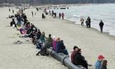 Rury na plaży w Sopocie hitem wśród spacerujących