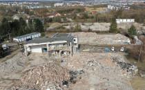 Znikają budynki spółdzielni mleczarskiej...