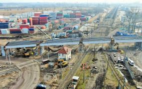 100-metrowy wiadukt na drodze do portu