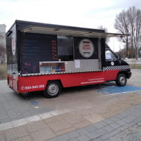 Food truck inny niż wszystkie przy plaży w Gdyni