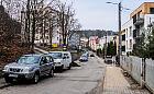 Dwugłos mieszkańców w sprawie płatnego parkowania w dzielnicy