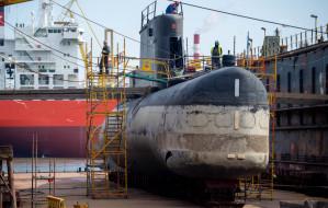 Zobacz jak wygląda okręt podwodny podniesiony z wody