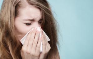 """Alergicy w czasie pandemii. """"Maseczki pogarszają komfort, ale zwiększają nasze szanse"""""""