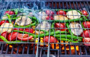 Jak jeść zdrowo z grilla w majówkę?
