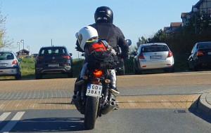 Przewożenie dzieci na motocyklu - czy to zgodne z przepisami?