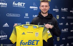 Arka Gdynia pozyskała piłkarza już na nowy sezon. Hubert Adamczyk na 3 lata