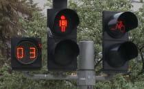 Sekundniki na skrzyżowaniach - czy powinny...