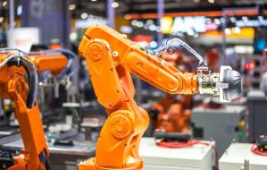 Dlaczego firma produkcyjna powinna zainwestować w roboty?