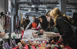 Giełda minerałów, festiwal kwiatów i nowa kawiarnia - kompleks Ulicy Elektryków otwarty