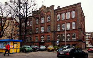 Uniwersytet pozbywa się zbędnych budynków