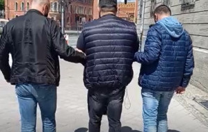 """Rozbito gang okradający seniorów metodą """"na policjanta"""""""
