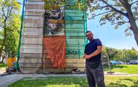 Powstaje mural z Pawłem Adamowiczem. Artysta maluje go za darmo
