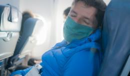 Samolot zawrócony z pasa startowego przez pijanego pasażera