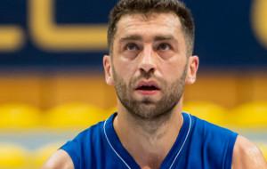 Adam Hrycaniuk zostaje w Asseco Arka Gdynia. Bestia nadal pod koszem