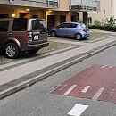 Nowy parking zagradza wyjazd z garaży na Działkach Leśnych?