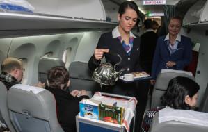 Własne kanapki w samolocie. Zaradność czy obciach?