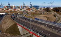 Wielka inwestycja drogowo-kolejowa w...