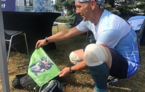 Biegnie wybrzeżem, by pomóc dziecku. Michał Piech dobiegł dziś do Gdańska