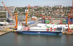 Port Gdynia  wciąż szuka miejsca na port instalacyjny, a konkurencja nie śpi