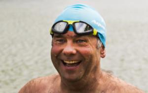 Piotr Biankowski gotów do przepłynięcia kanału La Manche. Uważa na meduzy i węże