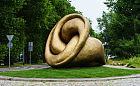 Rzeźba znanego artysty stanęła na rondzie w Sopocie
