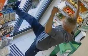 Turysta napadł z nożem na sklep w Gdańsku. Został zatrzymany na plaży