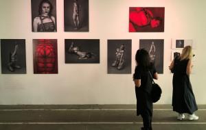 """Trzy tysiące metrów kwadratowych sztuki. Wielka wystawa prac """"Art`em All!"""""""