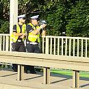 """Policjanci z """"suszarką"""" na wiadukcie. W jakim celu?"""