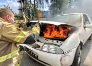 Jak ugasić pożar auta?