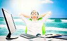Lato w pracy. Jak sobie radzić ze spadającą efektywnością?