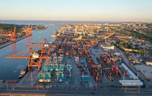 Bieg po terminalu kontenerowym 15 sierpnia w Gdyni. Wygraj pakiet startowy
