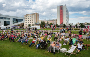 Bralczyk, Żulczyk, Severski. Festiwale literackie w sierpniu