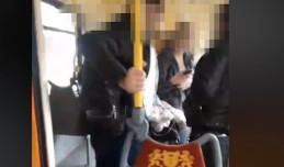 Wulgarna kłótnia podczas sprawdzania biletów w tramwaju. Kontroler stracił pracę