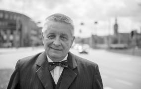 Zmarł prof. Andrzej Ceynowa, były rektor UG
