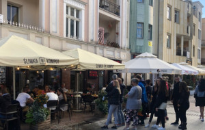 Restauracje, do których zawsze są kolejki. Na czym polega fenomen?
