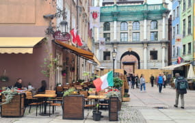 Spór w restauracji. Czy kelner może nie znać polskiego?