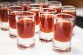 Pijani turyści: jeden walczył z barmanem, drugi ze szlabanem