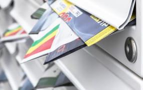 Jak radzić sobie z ulotkami w skrzynkach pocztowych?
